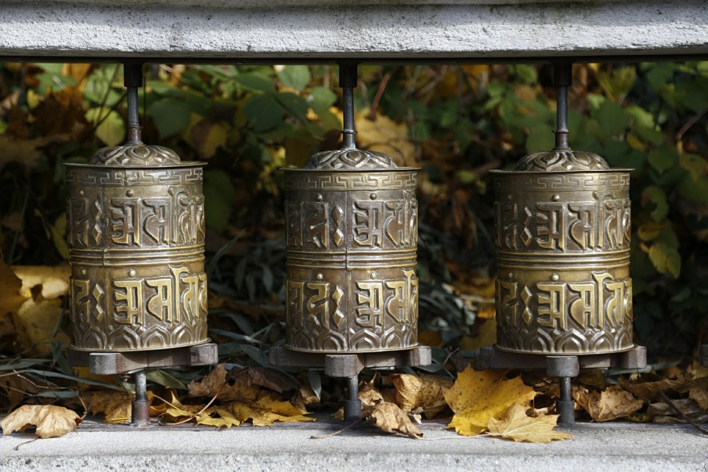 prayer-wheels-591734_1280